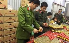 Hà Nội: Lật tẩy chiêu trò sản xuất hàng nghìn lọ sa tế giả