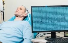 Đột phá công nghệ mới: Thiết bị dịch sóng não thành văn bản